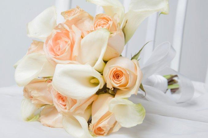 Bouquet Sposa Rose E Calle.Bouquet Da Sposa Con Le Calle I Piu Belli Con Le Tendenze 2017