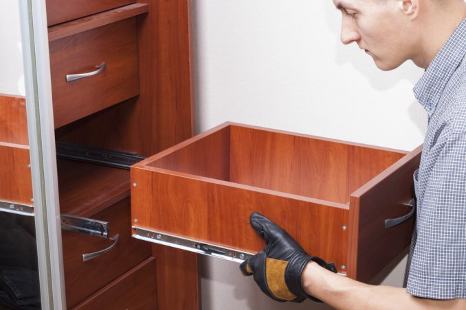 cassetto sfondato, riparare cassetto sfondato, aggiustare cassetto sfondato