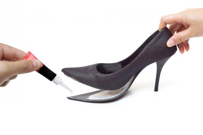 scarpe scollate, aggiustare scarpe