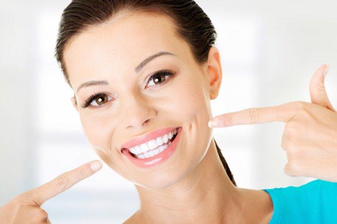 rimedi naturali, sbiancare denti, erboristeria