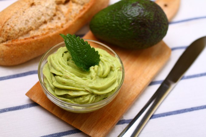 cucina vegana, maionese veggie, avocado