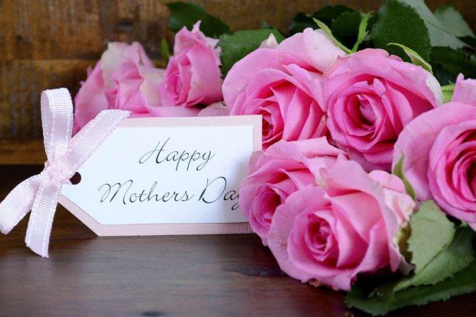 Mazzo Di Fiori Per La Mamma.Festa Della Mamma I 7 Fiori Per Dirle Ti Voglio Bene Donnad