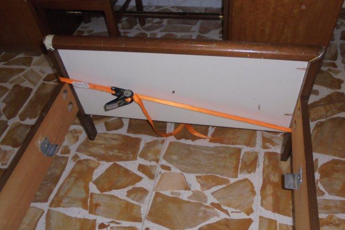 Come riparare la testiera del letto per non cadere donnad for Fili per stendere