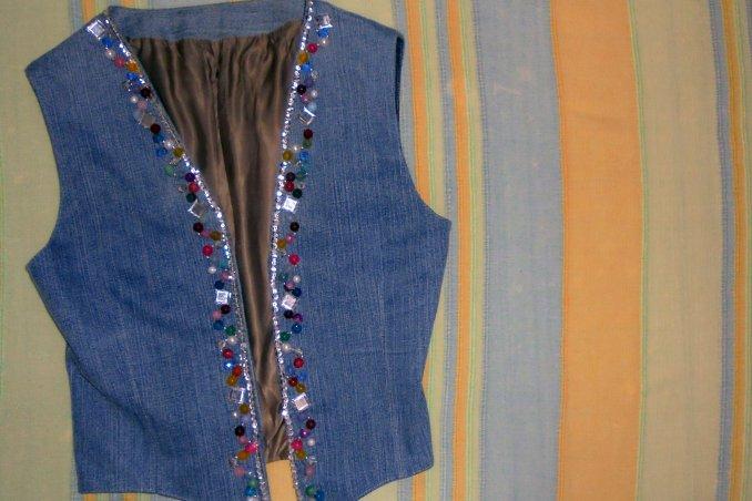 personalizzare gilet jeans, decorare gilet jeans
