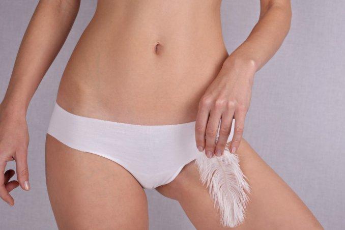 Zona bikini laser hair depilazione foto prima e dopo