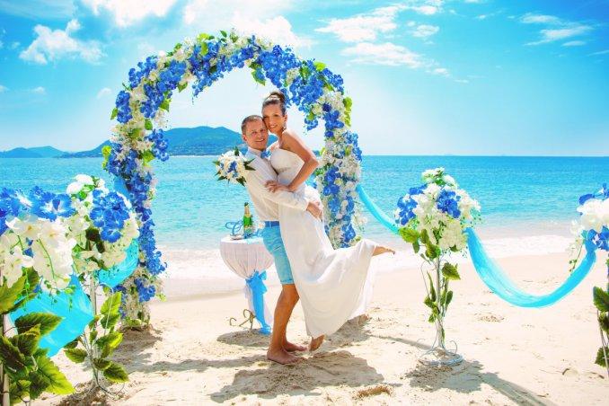 Matrimonio Sulla Spiaggia Economico : Matrimonio in spiaggia l organizzazione e i costi dell evento