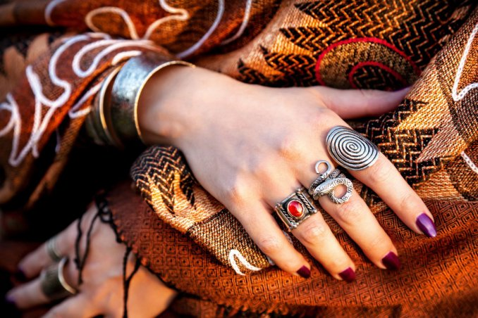 0614e0c85397 Moda etnica  capi e accessori must have del 2017