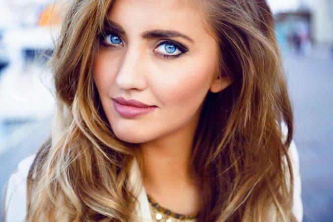 occhi azzurri trucco
