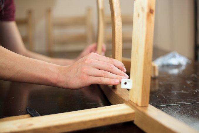 Sistemare le sedie scollate, la riparazione semplice | DonnaD