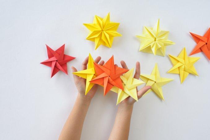 Origami Le il e le istruzioni facili per la stella di natale origami donnad