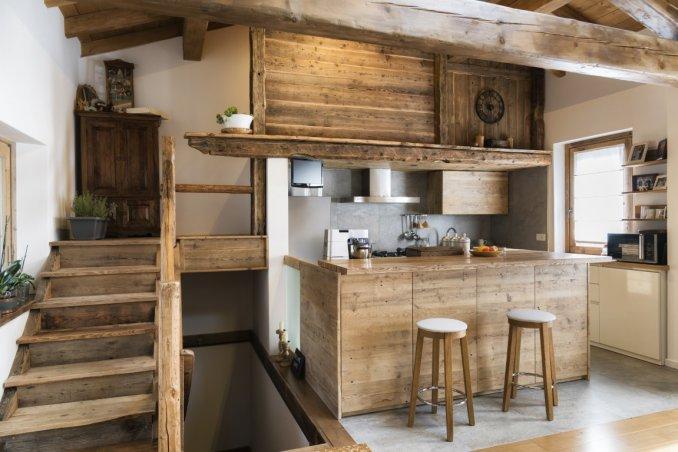 Arredamento d 39 interni per la casa di montagna donnad for Arredamento interni case montagna