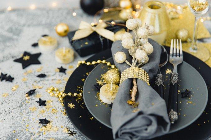 Come decorare la tavola di natale in modo raffinato donnad - Decorare la tavola a natale ...