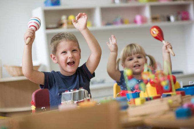 asilo montessori, bambini