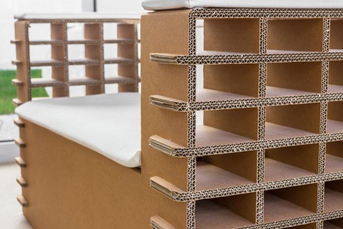 Arredi e mobili in cartone riciclo e design sostenibile for Arredi di cartone