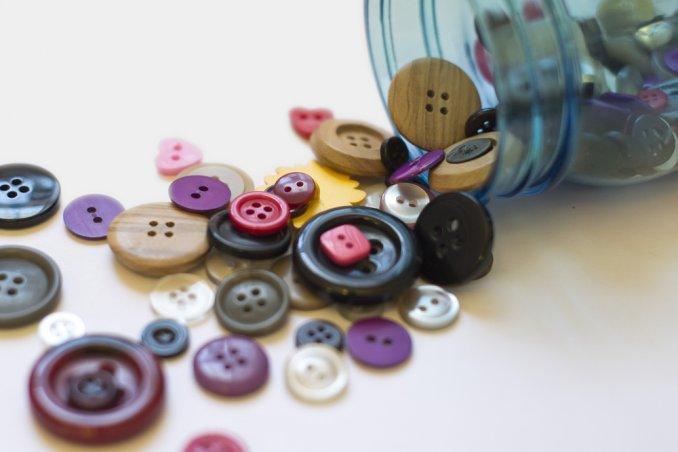 Lavoretti con i bottoni idee per creare e decorare donnad for Creare casa in 3d