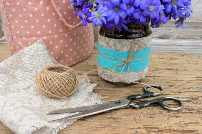 come decorare barattoli, barattoli decoupage, decoupage stoffa