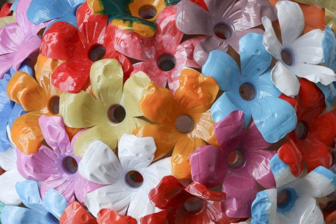 Bricolage Con Bottiglie Di Plastica.Come Fare Gioielli Di Plastica Donnad