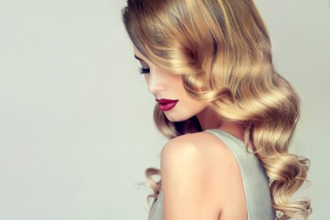 capelli grassi, forfora, rimedi naturali