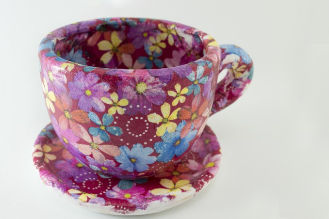 come decorare tazza, decoupage ceramica, personalizzare tazza