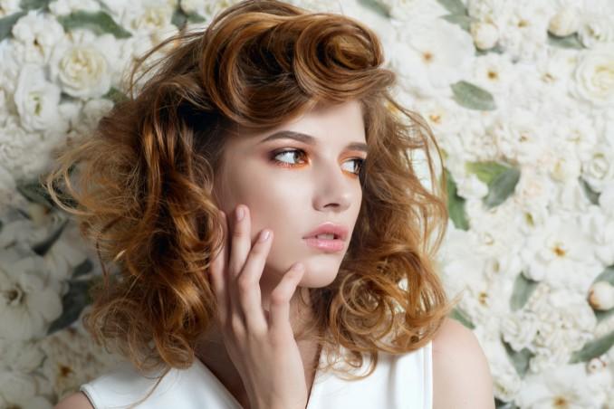 Acconciature con i capelli mossi