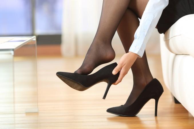 allargare scarpe strette, allargare scarpe nuove