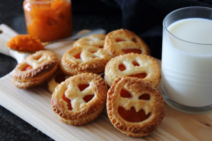 Dolci Halloween.Dolci Di Halloween In Pasta Sfoglia 3 Ricette Per La Festa Donnad