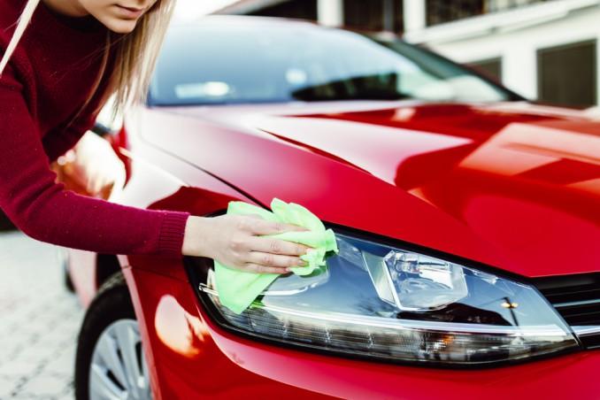 pulire fari macchina, pulire fari auto, pulire fanali