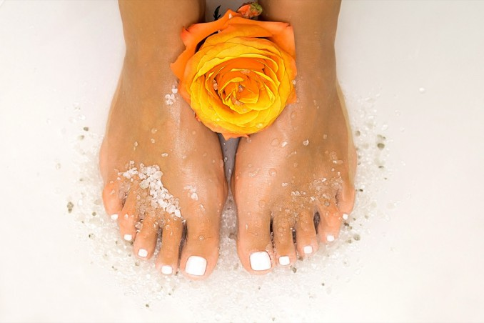 scrub, piedi, sale