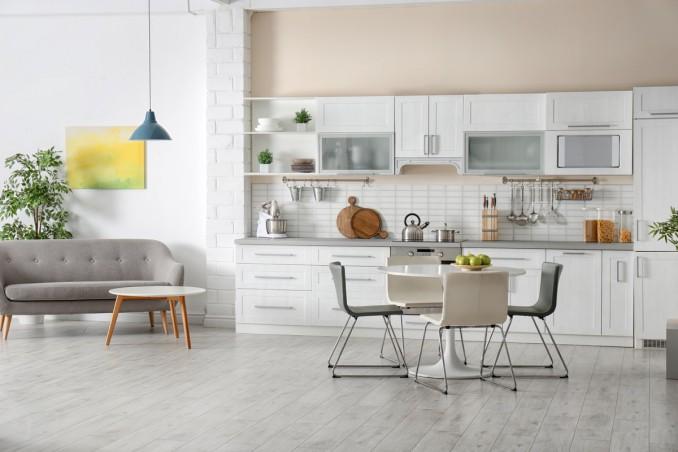 Come arredare il soggiorno con angolo cottura in stile moderno