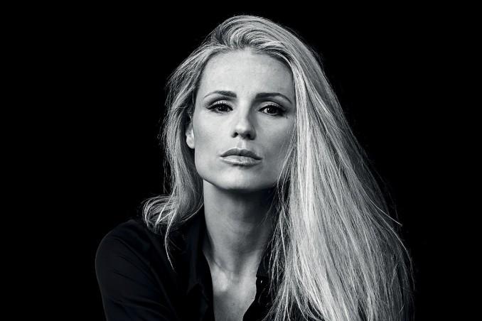 Michelle Hunziker - Io non mi volto di Paolo Spadacini