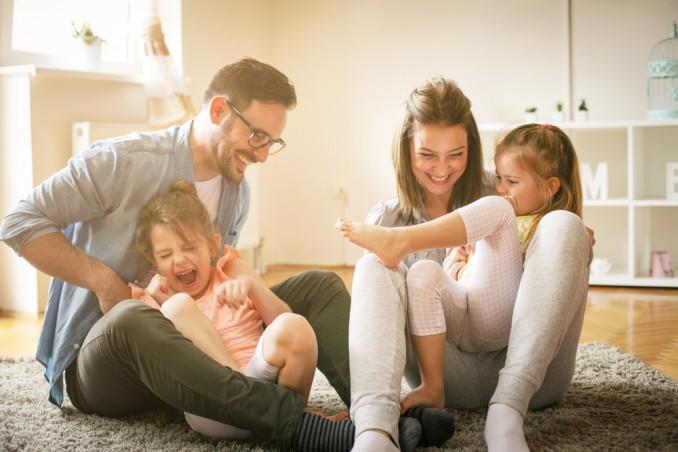 cosa fare a casa con i bambini 5 anni, cosa fare a casa quando piove, giochi da fare in casa quando piove