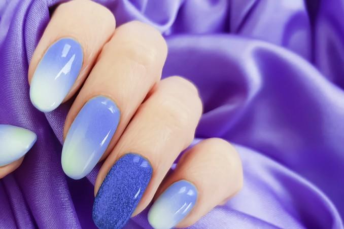 nail art gradiente, manicure, decorazione unghie