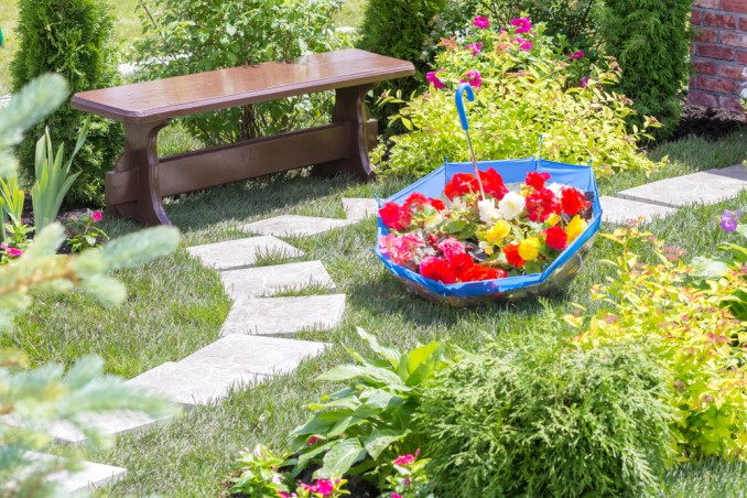 7 idee che vorrai fare per abbellire il giardino donnad for Bordure per aiuole fai da te