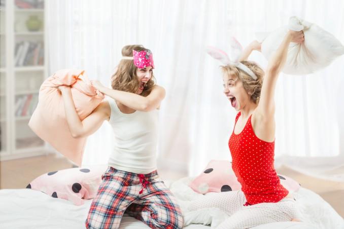 cosa fare pigiama party amiche, pigiama party idee, pigiama party amiche