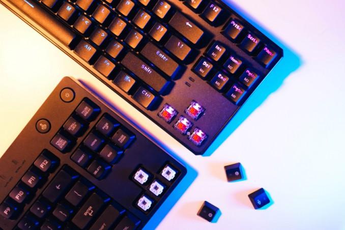 come pulire tastiera meccanica, lavare tastiera meccanica, pulire tastiera pc