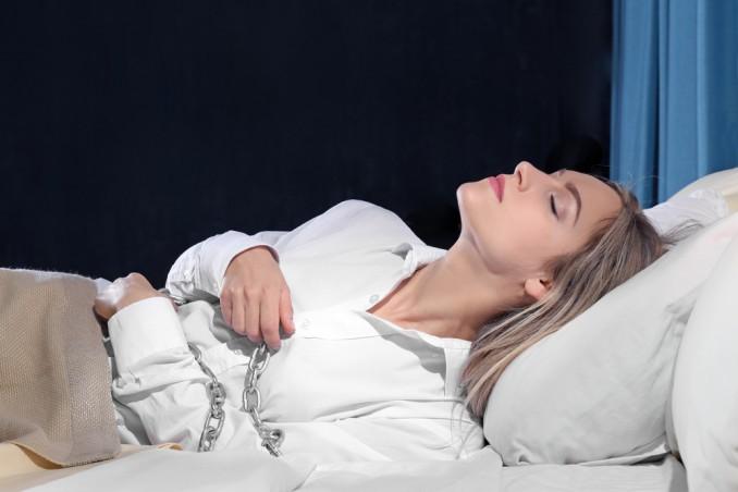 sognare non riuscire svegliarsi, paralisi sonno, sognare di non riuscire a svegliarsi