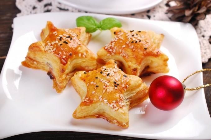 Antipasti Di Natale Semplici.Antipasti Di Natale In Pasta Sfoglia 10 Ricette Semplici Donnad