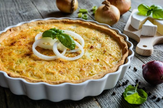 torta salata francese, cipolle, quiche lorraine originale
