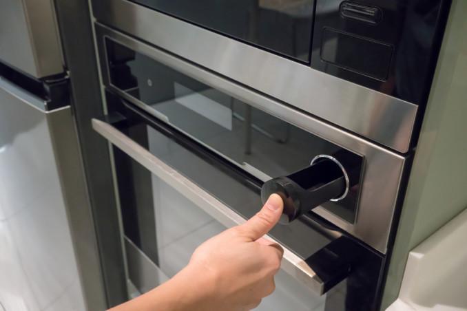 come pulire doppio vetro forno senza smontarlo, pulire doppio vetro forno, pulire tra due vetri forno