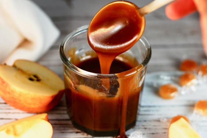 caramellare frutta fresca