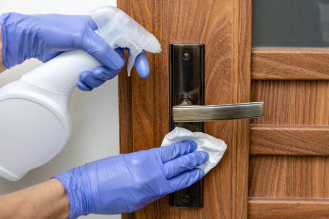 igienizzare maniglie porte