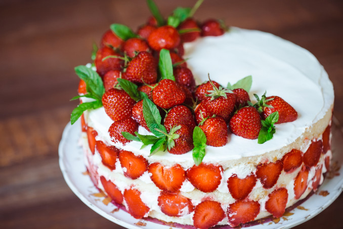 Torte Decorate Con Panna E Fragole 7 Idee Per Le Decorazioni Donnad