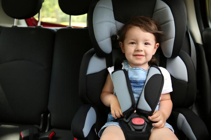 bambina auto