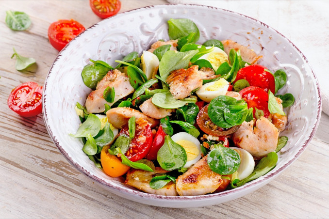 insalata, pollo, verdure
