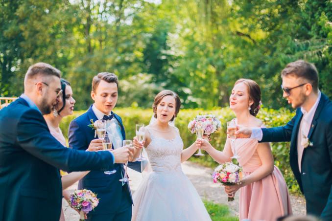 galateo nozze colori invitati