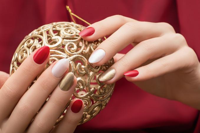 nail art, Capodanno 2021, decorazioni unghie