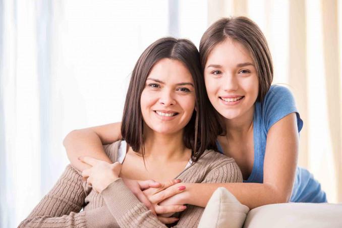 Mamma con figlia adolescente