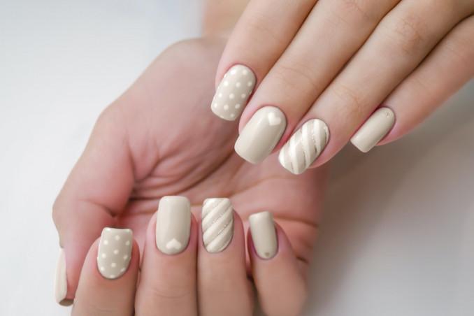 nail art, colori neutri, manicure naturale