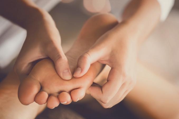 dolore pianta piede, rimedi naturali, trattamenti