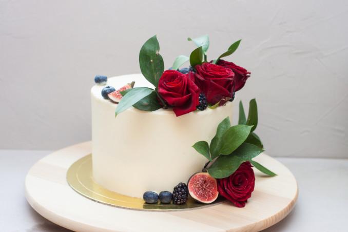 torte decorate rose rosse, torte decorate rose